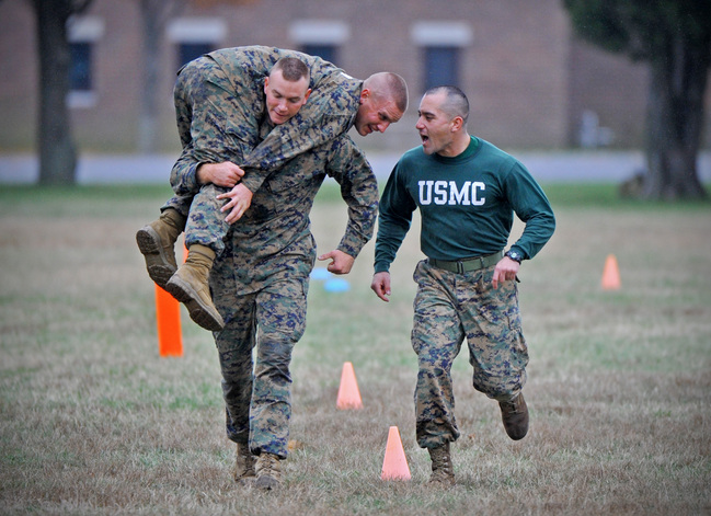 marine corps combat fitness test maneuver under fire